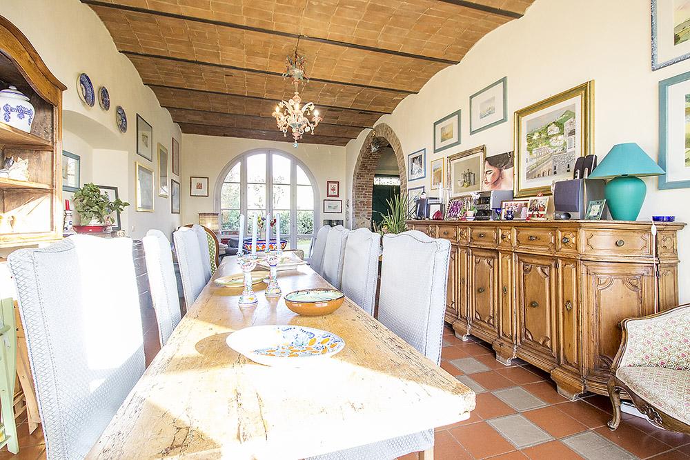 5-Casale-Il-Podere-Farm-Scansano-Maremma-Tuscany-For-sale-farmhouses-country-homes-in-Italy-Antonio-Russo-Real-Estate.jpg