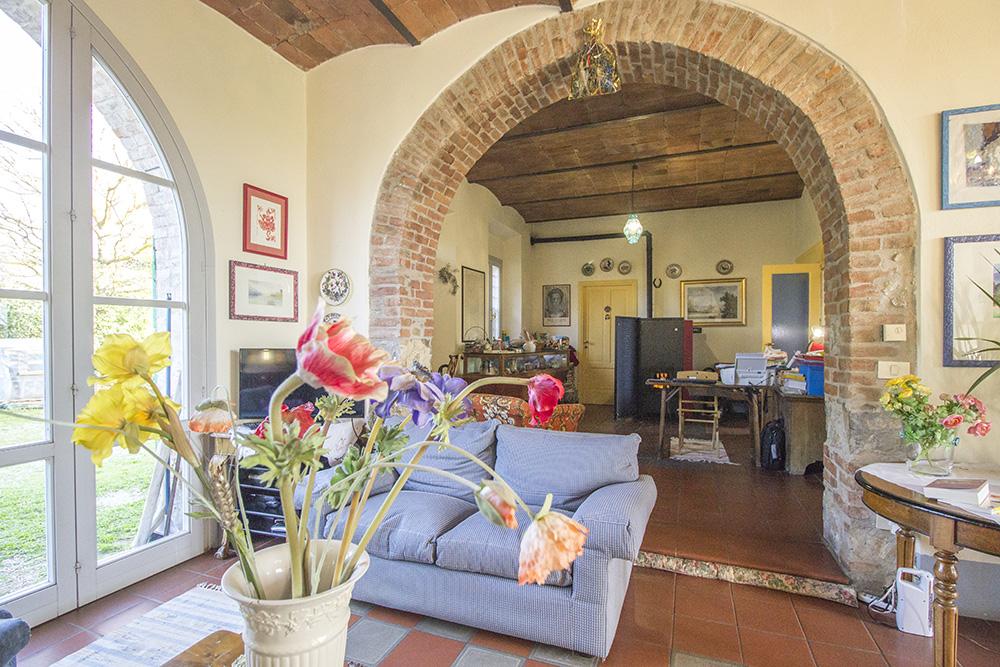 6-Casale-Il-Podere-Farm-Scansano-Maremma-Tuscany-For-sale-farmhouses-country-homes-in-Italy-Antonio-Russo-Real-Estate.jpg