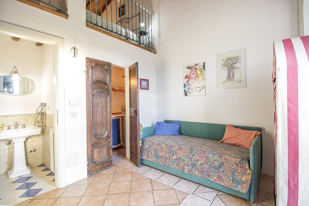 21-Casale-Il-Podere-Farm-Scansano-Maremma-Tuscany-For-sale-farmhouses-country-homes-in-Italy-Antonio-Russo-Real-Estate.jpg