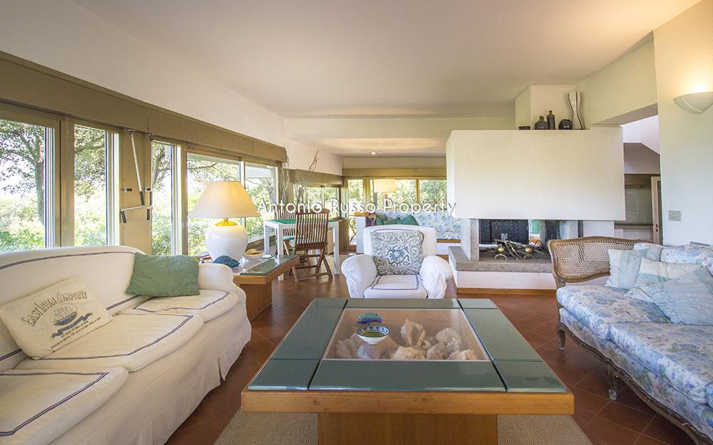 2-For-sale-luxury-villas-Italy-Antonio-Russo-Real-Estate-Villa-Il-Golfo-Punta-Ala-Tuscan.jpg