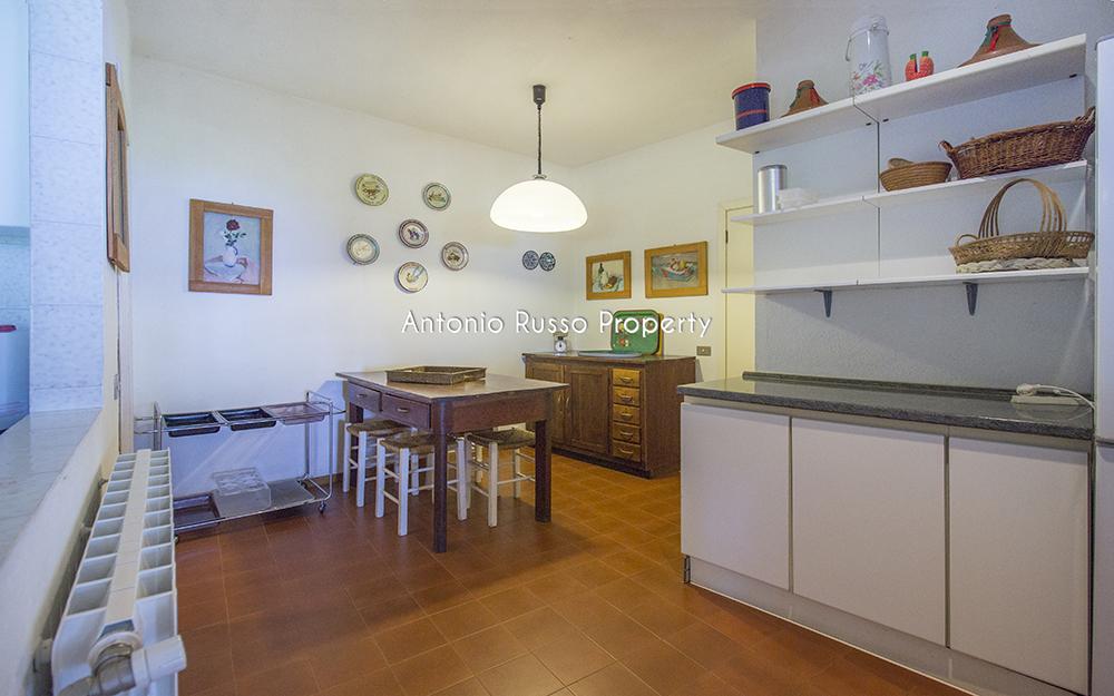 8-For-sale-luxury-villas-Italy-Antonio-Russo-Real-Estate-Villa-Il-Golfo-Punta-Ala-Tuscan.jpg