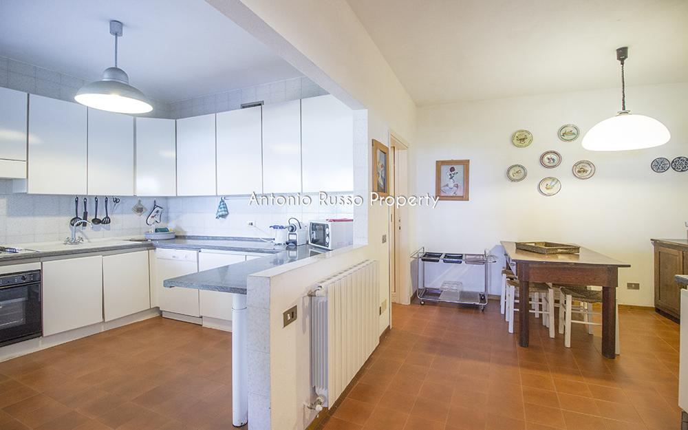 9-For-sale-luxury-villas-Italy-Antonio-Russo-Real-Estate-Villa-Il-Golfo-Punta-Ala-Tuscan.jpg