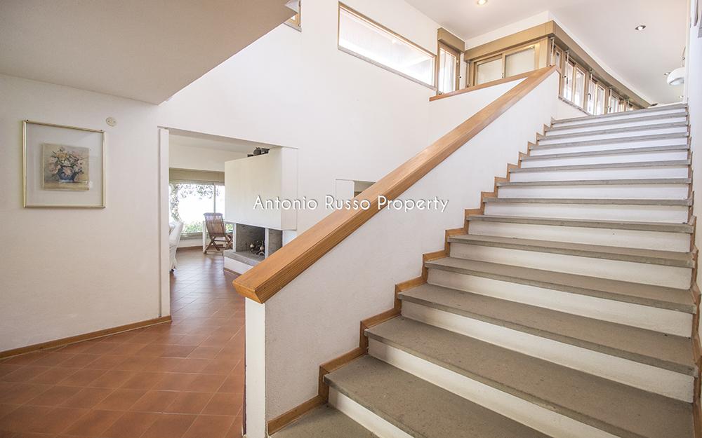 11-For-sale-luxury-villas-Italy-Antonio-Russo-Real-Estate-Villa-Il-Golfo-Punta-Ala-Tuscan.jpg