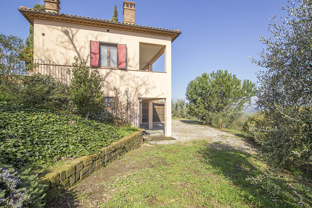 1-Podere-Belvedere-Farm-Cinigiano-Grosseto-Countryside-Tuscany-For-sale-farmhouses-country-homes-in-Italy-Antonio-Russo-Real-Estate.jpg