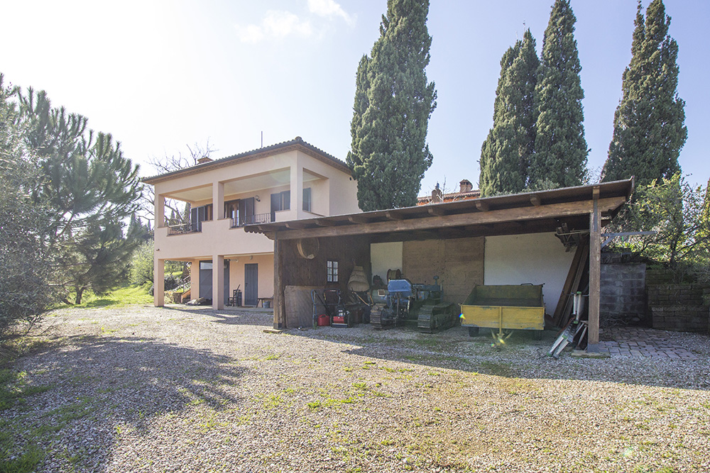 3-Podere-Belvedere-Farm-Cinigiano-Grosseto-Countryside-Tuscany-For-sale-farmhouses-country-homes-in-Italy-Antonio-Russo-Real-Estate.jpg