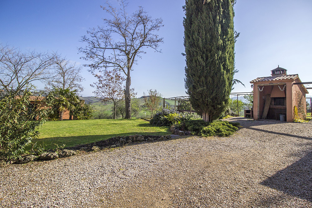 6-Podere-Belvedere-Farm-Cinigiano-Grosseto-Countryside-Tuscany-For-sale-farmhouses-country-homes-in-Italy-Antonio-Russo-Real-Estate.jpg