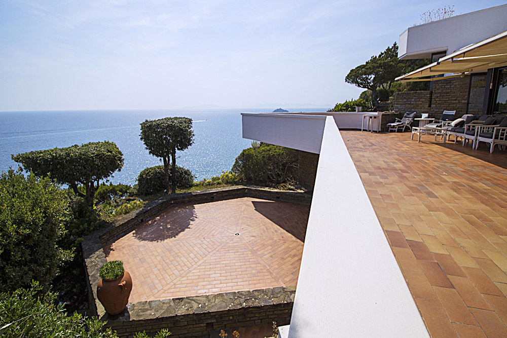 1-For-sale-luxury-villas-Italy-Antonio-Russo-Real-Estate-Villa-La-Perla-Punta-Ala-Tuscany.jpg