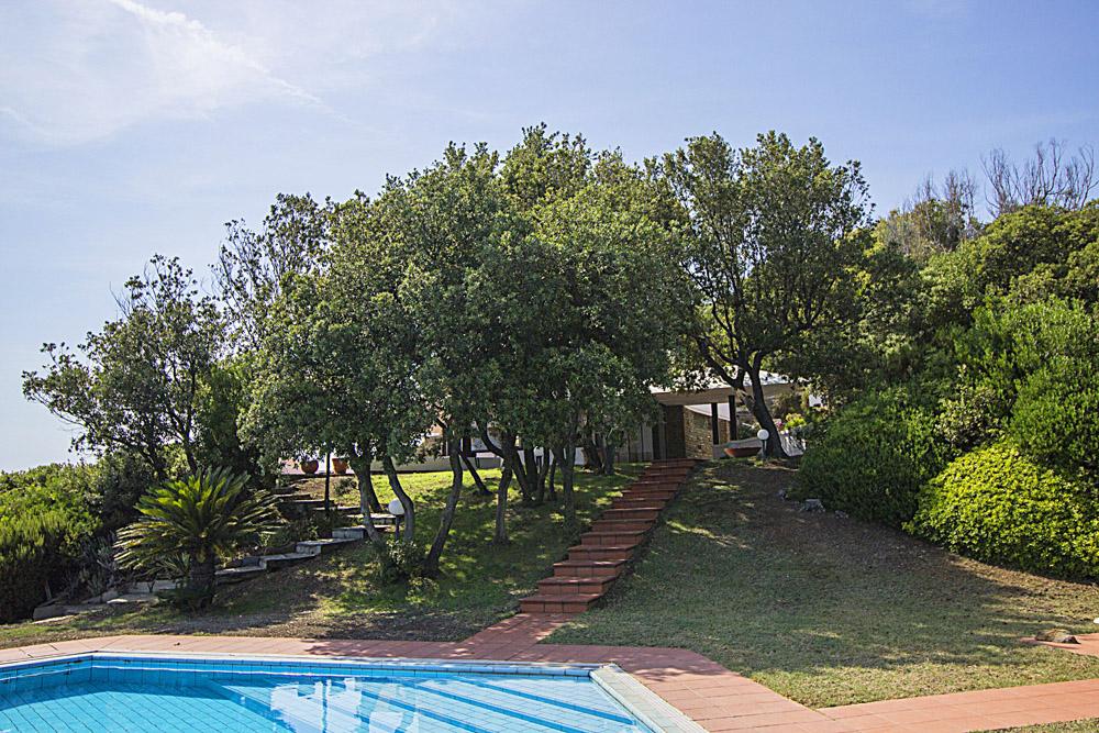 3-For-sale-luxury-villas-Italy-Antonio-Russo-Real-Estate-Villa-La-Perla-Punta-Ala-Tuscany.jpg
