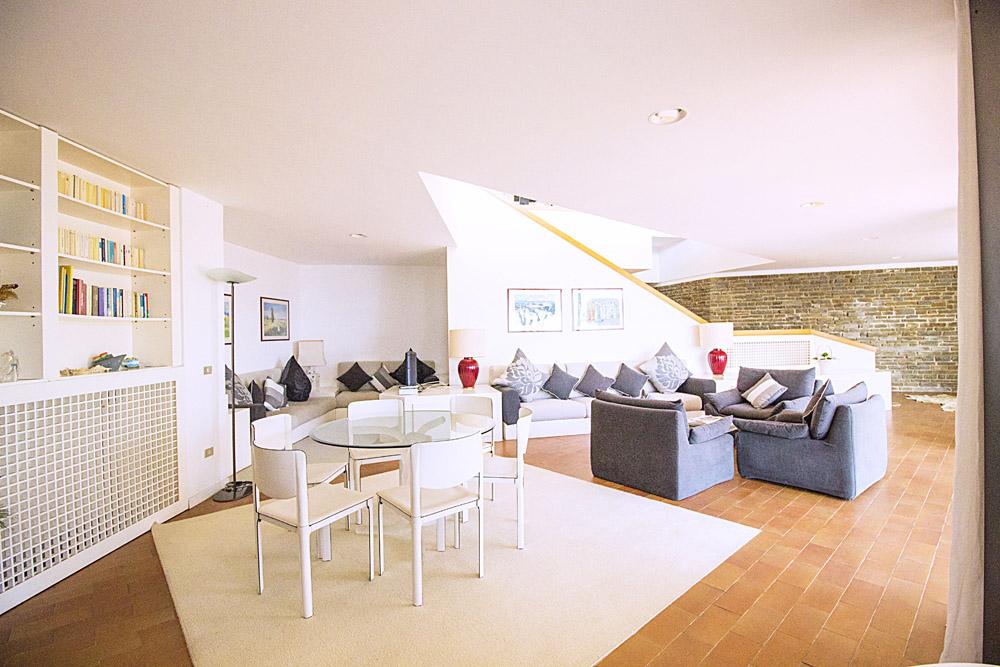 6-For-sale-luxury-villas-Italy-Antonio-Russo-Real-Estate-Villa-La-Perla-Punta-Ala-Tuscany.jpg