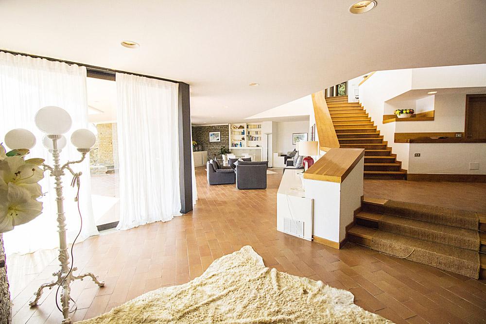 8-For-sale-luxury-villas-Italy-Antonio-Russo-Real-Estate-Villa-La-Perla-Punta-Ala-Tuscany.jpg