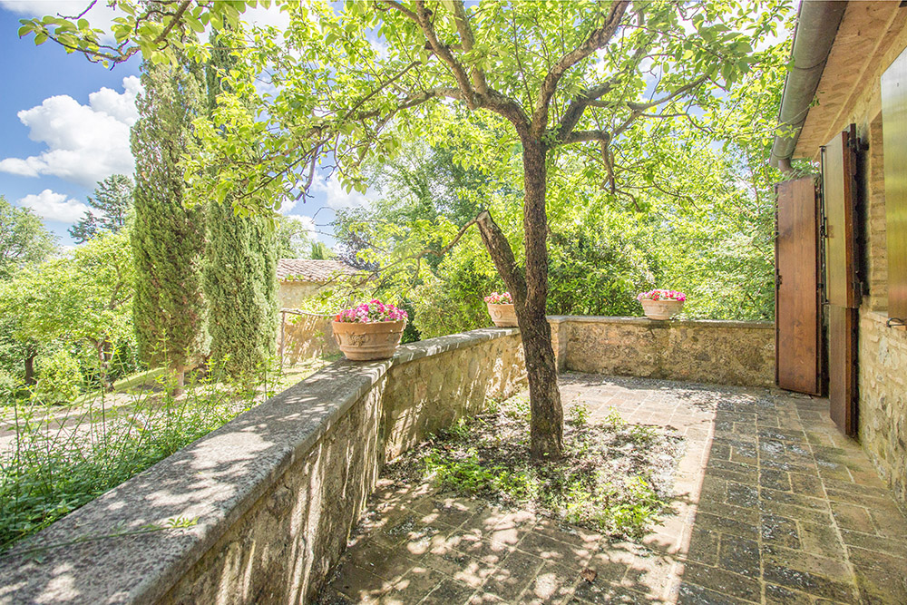 11-For-sale-unique-holiday-stay-Italy-Antonio-Russo-Real-Estate-Borgo-Il-Poeta-Umbria-Accommodation-Facility.jpg