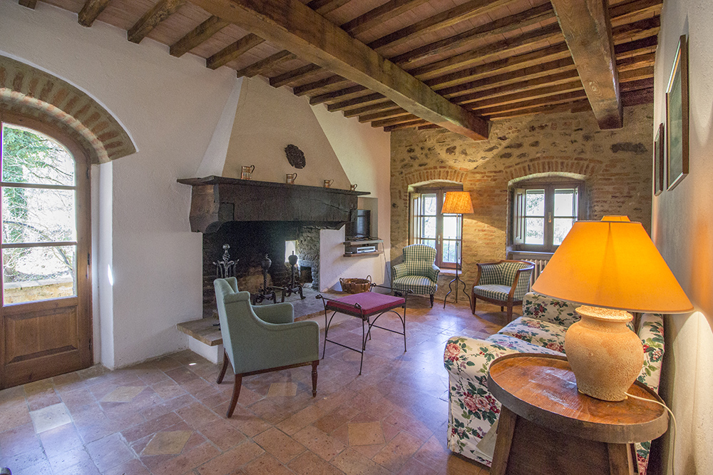 35-For-sale-unique-holiday-stay-Italy-Antonio-Russo-Real-Estate-Borgo-Il-Poeta-Umbria-Accommodation-Facility.jpg