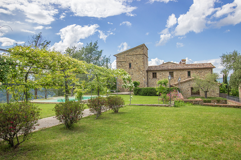 13-For-sale-unique-holiday-hamlet-Italy-Antonio-Russo-Real-Estate-Borgo-Country-Resort-Umbria-Accommodation-Facility.jpg