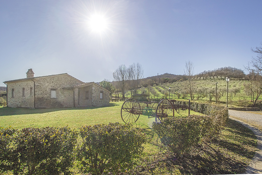 21-For-sale-unique-holiday-hamlet-Italy-Antonio-Russo-Real-Estate-Borgo-Country-Resort-Umbria-Accommodation-Facility.jpg