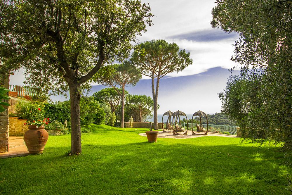 4-For-sale-luxury-villas-Italy-Antonio-Russo-Real-Estate-Villa-La-Panoramica-Castiglione-della-Pescaia-Tuscany.jpg