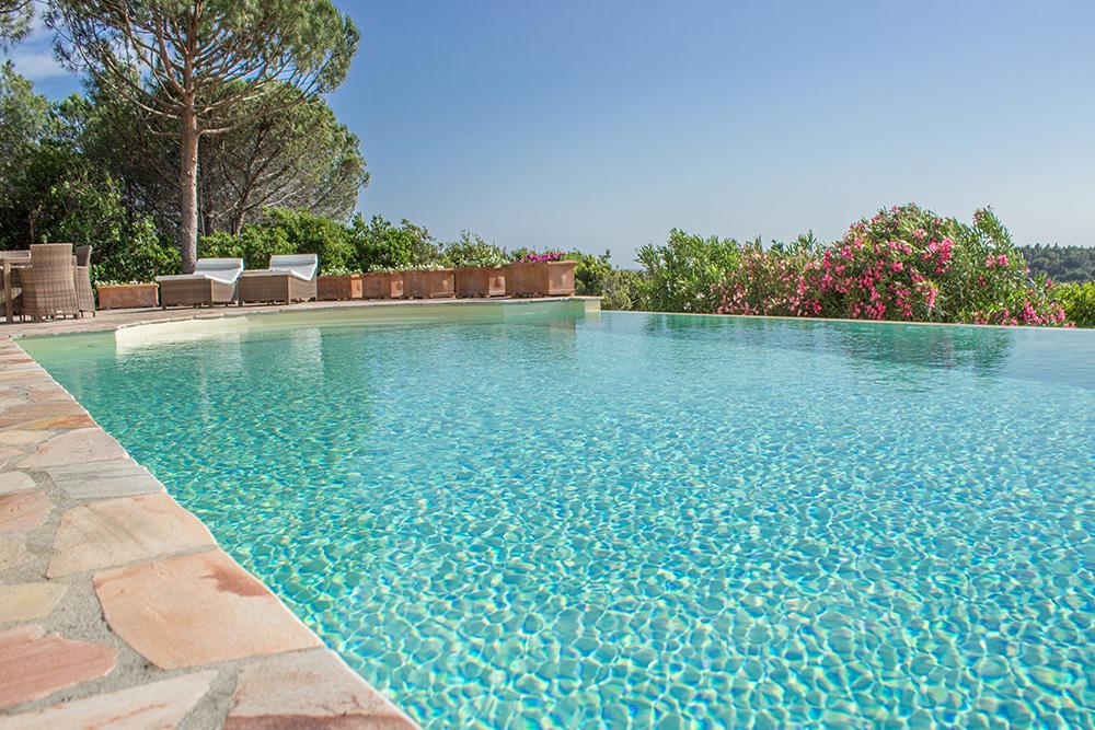 5-For-sale-luxury-villas-Italy-Antonio-Russo-Real-Estate-Villa-La-Panoramica-Castiglione-della-Pescaia-Tuscany.jpg
