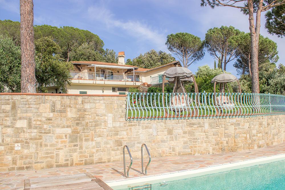 6-For-sale-luxury-villas-Italy-Antonio-Russo-Real-Estate-Villa-La-Panoramica-Castiglione-della-Pescaia-Tuscany.jpg