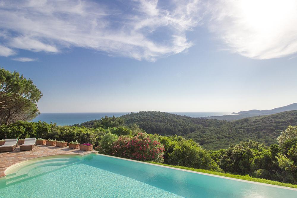 7-For-sale-luxury-villas-Italy-Antonio-Russo-Real-Estate-Villa-La-Panoramica-Castiglione-della-Pescaia-Tuscany.jpg