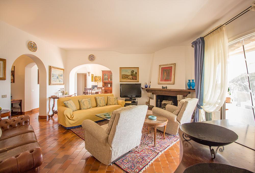 12-For-sale-luxury-villas-Italy-Antonio-Russo-Real-Estate-Villa-La-Panoramica-Castiglione-della-Pescaia-Tuscany.jpg