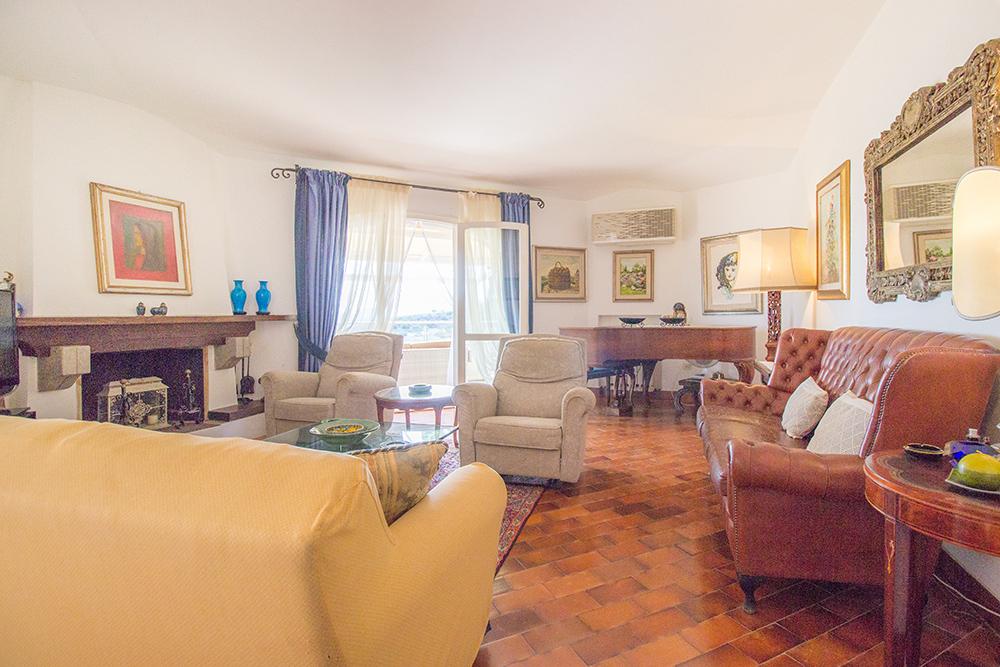 13-For-sale-luxury-villas-Italy-Antonio-Russo-Real-Estate-Villa-La-Panoramica-Castiglione-della-Pescaia-Tuscany.jpg