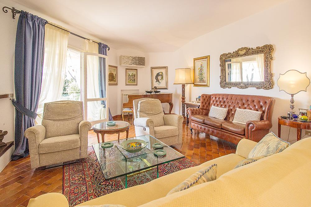 14-For-sale-luxury-villas-Italy-Antonio-Russo-Real-Estate-Villa-La-Panoramica-Castiglione-della-Pescaia-Tuscany.jpg
