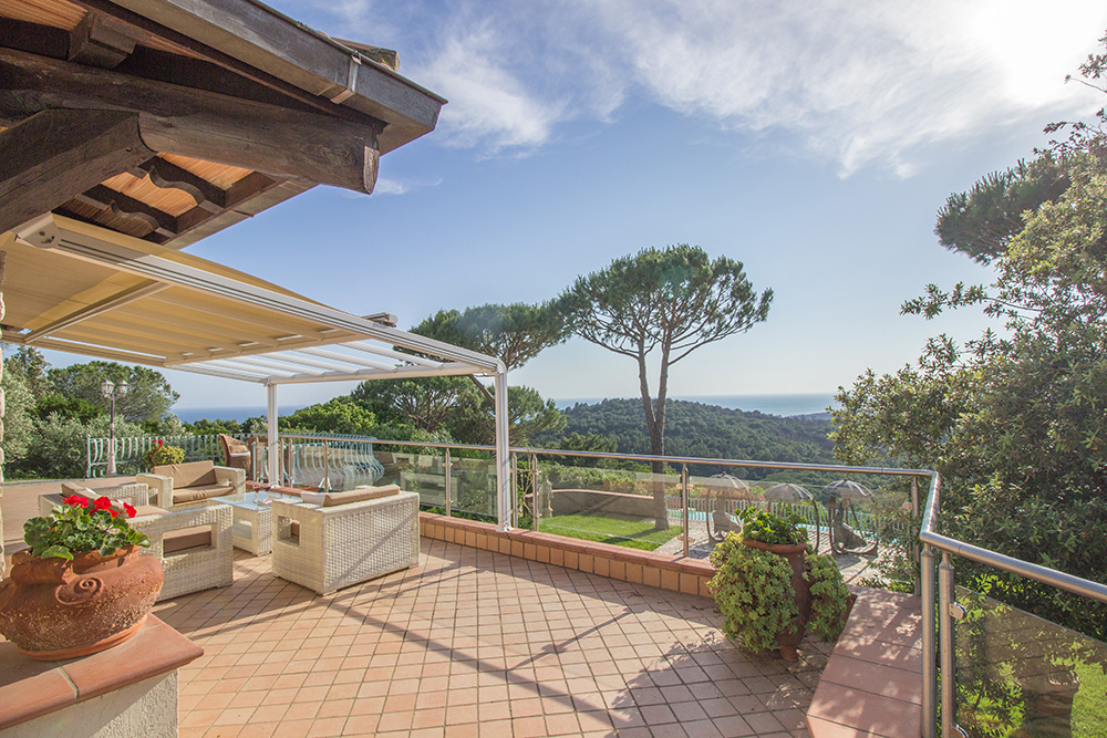 18-For-sale-luxury-villas-Italy-Antonio-Russo-Real-Estate-Villa-La-Panoramica-Castiglione-della-Pescaia-Tuscany.jpg