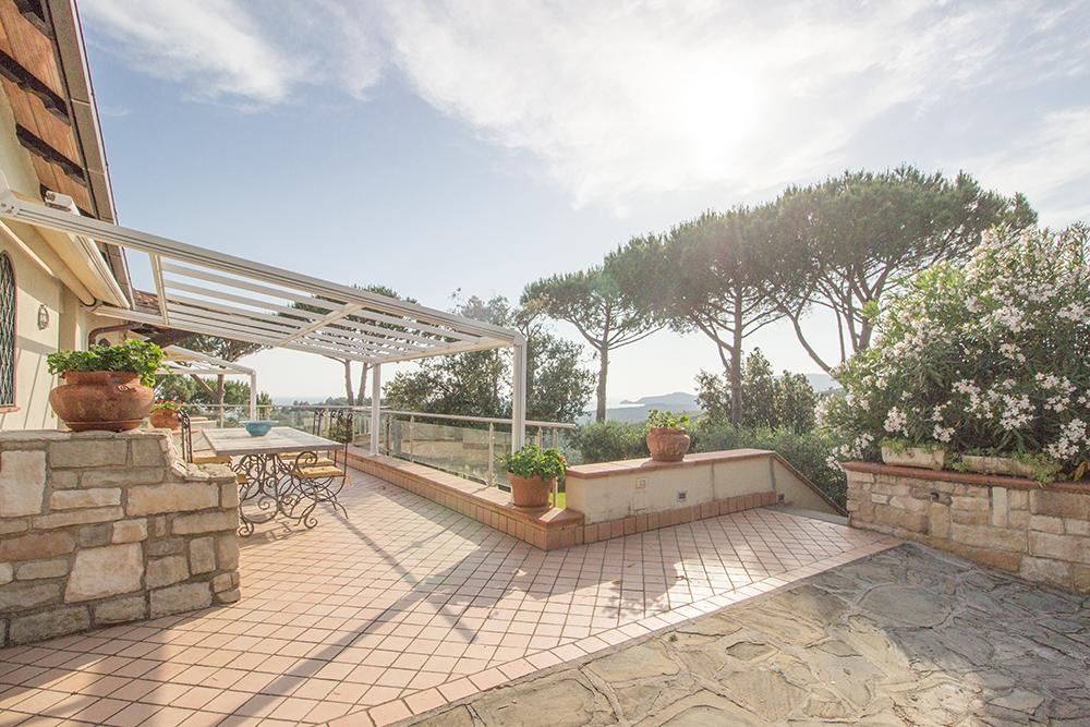 19-For-sale-luxury-villas-Italy-Antonio-Russo-Real-Estate-Villa-La-Panoramica-Castiglione-della-Pescaia-Tuscany.jpg