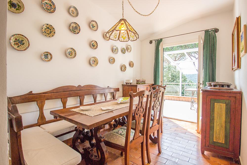 20-For-sale-luxury-villas-Italy-Antonio-Russo-Real-Estate-Villa-La-Panoramica-Castiglione-della-Pescaia-Tuscany.jpg