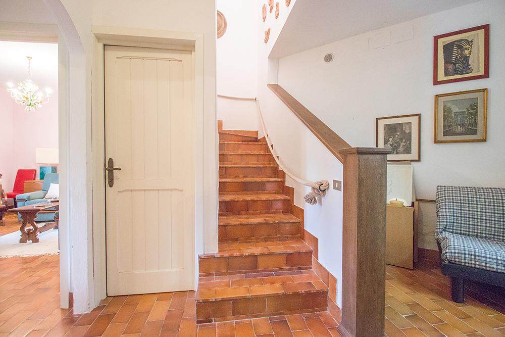 29-For-sale-luxury-villas-Italy-Antonio-Russo-Real-Estate-Villa-La-Panoramica-Castiglione-della-Pescaia-Tuscany.jpg
