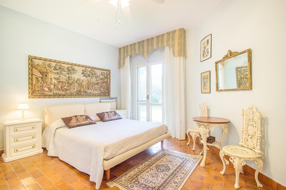 34-For-sale-luxury-villas-Italy-Antonio-Russo-Real-Estate-Villa-La-Panoramica-Castiglione-della-Pescaia-Tuscany.jpg
