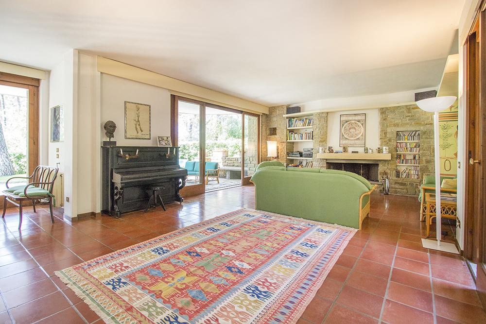 1-For-sale-luxury-villas-Italy-Antonio-Russo-Real-Estate-Villa-La-Pineta-Roccamare-Castiglione-della-Pescaia-Tuscany.jpg