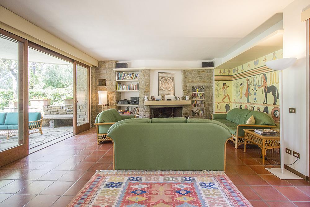 4-For-sale-luxury-villas-Italy-Antonio-Russo-Real-Estate-Villa-La-Pineta-Roccamare-Castiglione-della-Pescaia-Tuscany.jpg