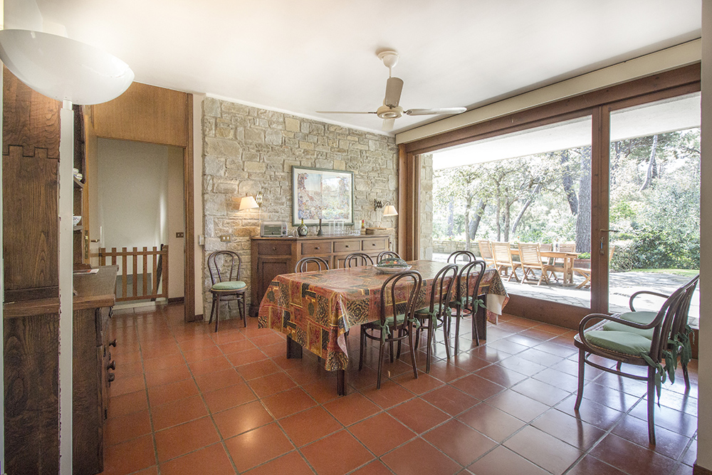 6-For-sale-luxury-villas-Italy-Antonio-Russo-Real-Estate-Villa-La-Pineta-Roccamare-Castiglione-della-Pescaia-Tuscany.jpg