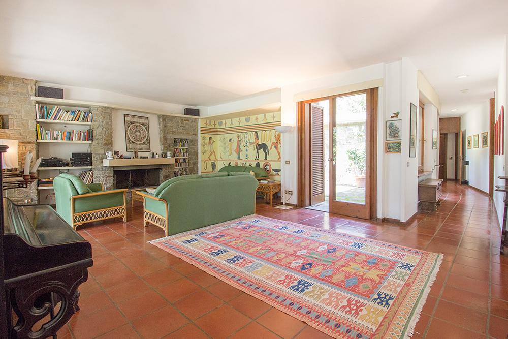 8-For-sale-luxury-villas-Italy-Antonio-Russo-Real-Estate-Villa-La-Pineta-Roccamare-Castiglione-della-Pescaia-Tuscany.jpg