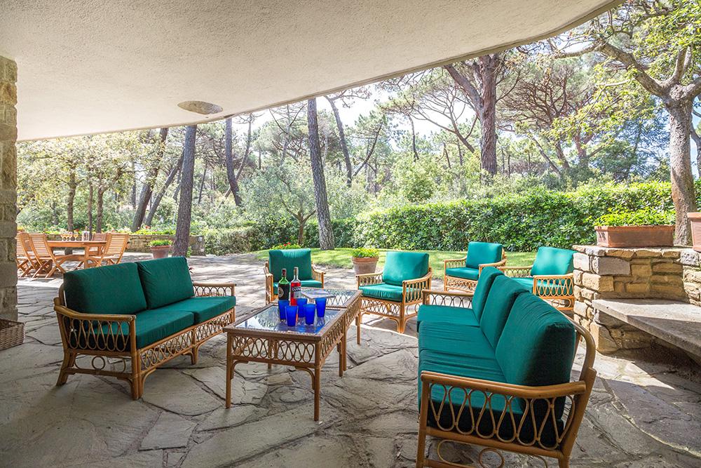 9-For-sale-luxury-villas-Italy-Antonio-Russo-Real-Estate-Villa-La-Pineta-Roccamare-Castiglione-della-Pescaia-Tuscany.jpg