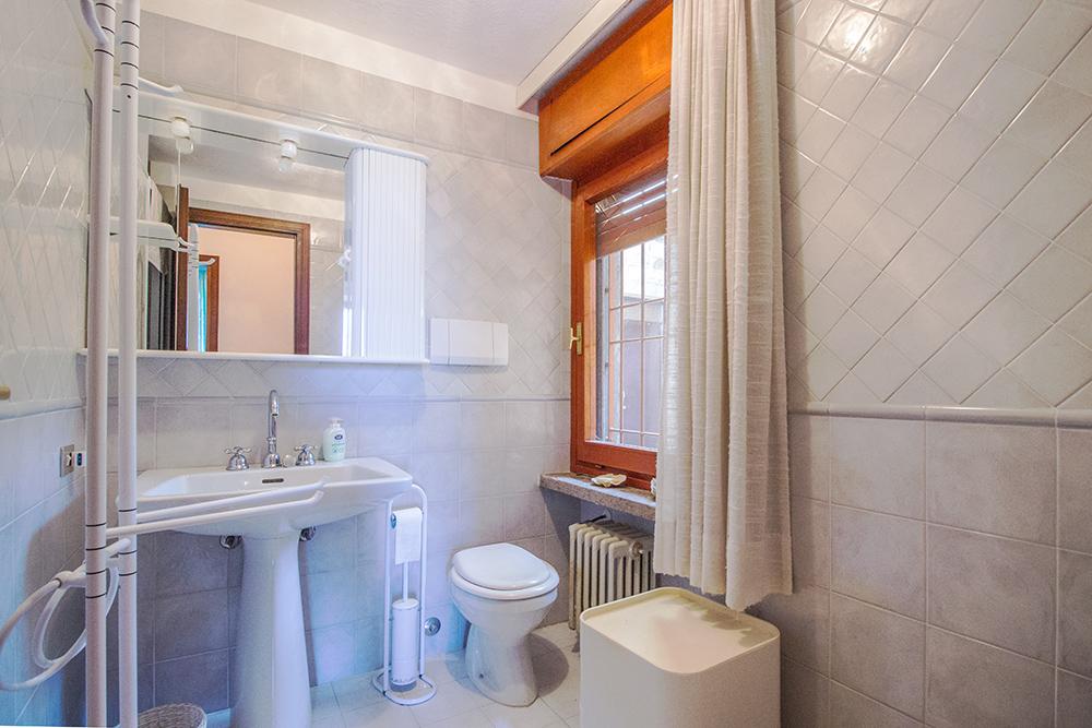 13-For-sale-luxury-villas-Italy-Antonio-Russo-Real-Estate-Villa-Paradiso-Punta-Ala-Tuscany.jpg
