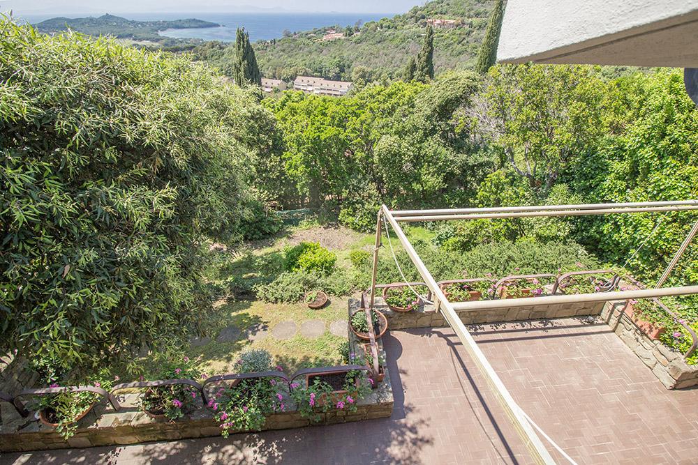 15-For-sale-luxury-villas-Italy-Antonio-Russo-Real-Estate-Villa-Paradiso-Punta-Ala-Tuscany.jpg