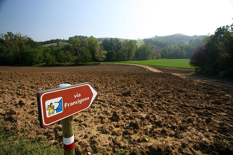 6-via-francigena-tuscany-antonio-russo-property-news.jpg