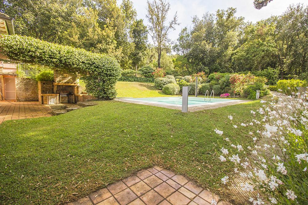 2-For-sale-luxury-villas-Italy-Antonio-Russo-Real-Estate-Villa-Delizia-Punta-Ala-Tuscany.jpg