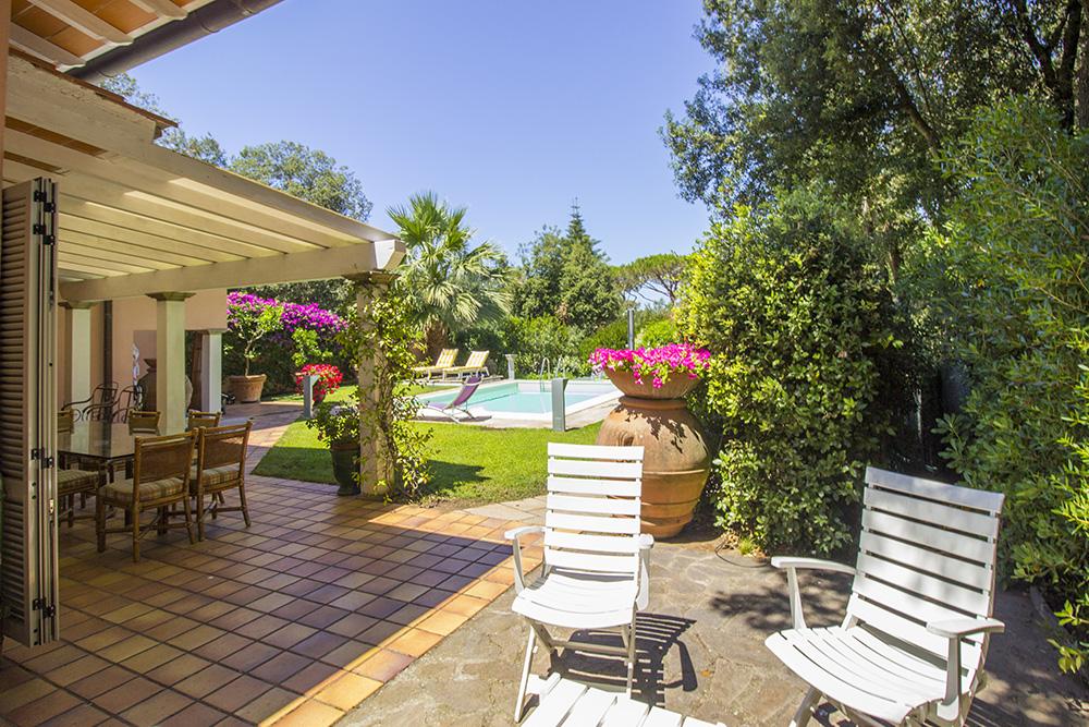 3-For-sale-luxury-villas-Italy-Antonio-Russo-Real-Estate-Villa-Delizia-Punta-Ala-Tuscany.jpg