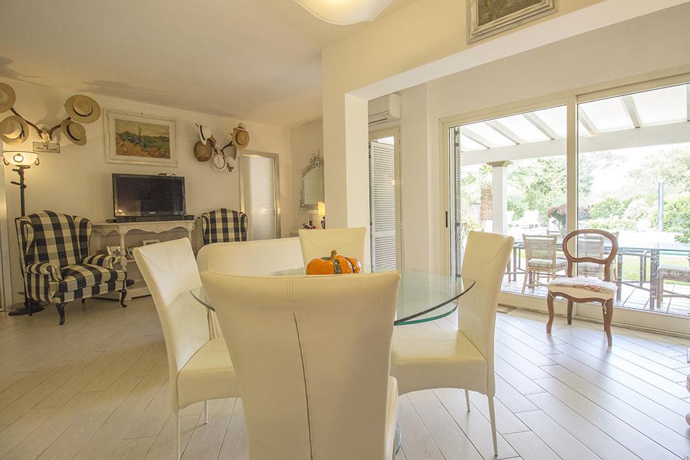 12-For-sale-luxury-villas-Italy-Antonio-Russo-Real-Estate-Villa-Delizia-Punta-Ala-Tuscany.jpg