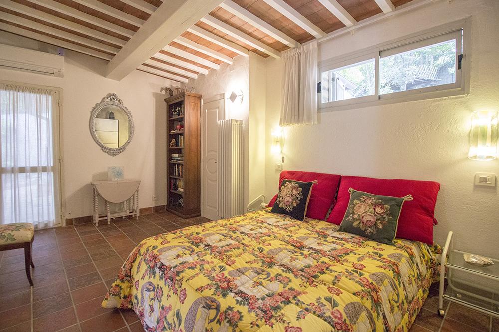 15-For-sale-luxury-villas-Italy-Antonio-Russo-Real-Estate-Villa-Delizia-Punta-Ala-Tuscany.jpg