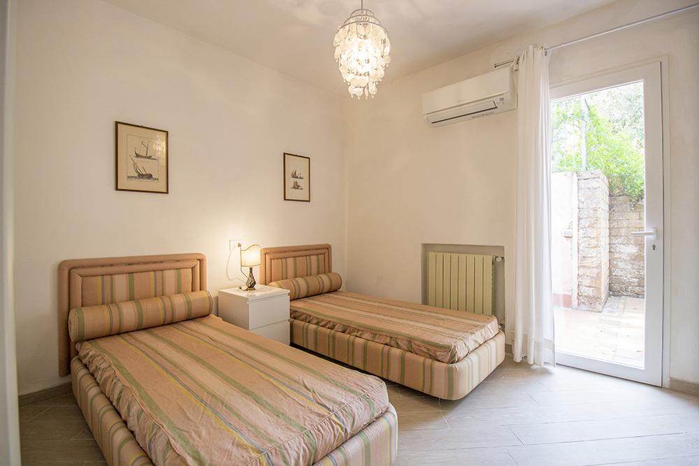 20-For-sale-luxury-villas-Italy-Antonio-Russo-Real-Estate-Villa-Delizia-Punta-Ala-Tuscany.jpg