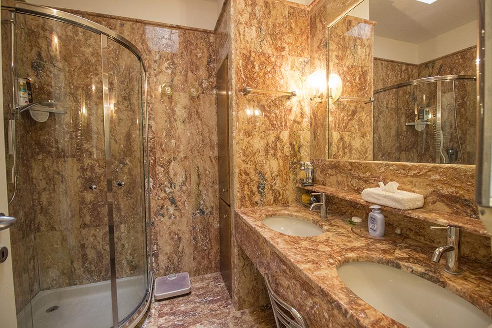 23-For-sale-luxury-villas-Italy-Antonio-Russo-Real-Estate-Villa-Delizia-Punta-Ala-Tuscany.jpg