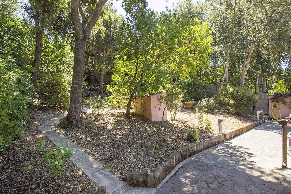 26-For-sale-luxury-villas-Italy-Antonio-Russo-Real-Estate-Villa-Delizia-Punta-Ala-Tuscany.jpg