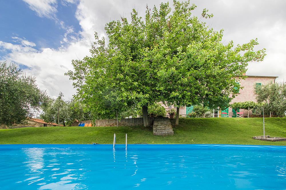 5-Casale-Il-Podere-esterno-Farm-Scansano-Maremma-Tuscany-For-sale-farmhouses-country-homes-in-Italy-Antonio-Russo-Real-Estate.jpg