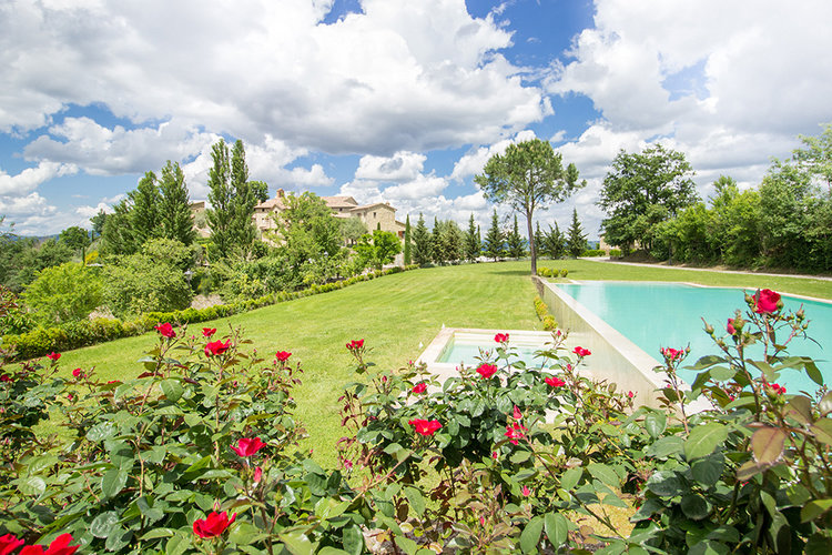 5-Italian-Real-Estate-Investment-opportunities-unique-luxury-village-hamlet-Italy-Antonio-Russo-Real-Estate-Borgo-Country-Resort-Umbria.jpg