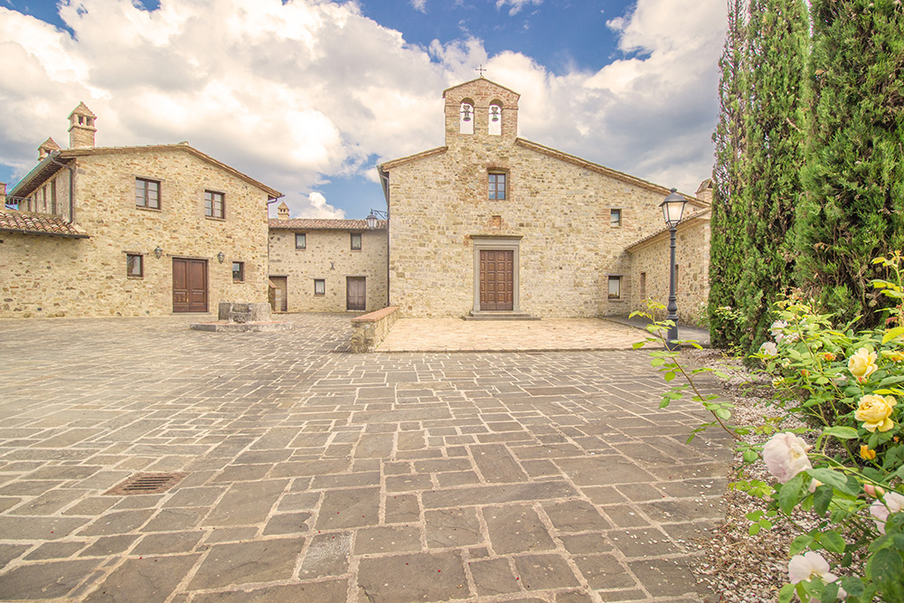 10-Italian-Real-Estate-Investment-opportunities-unique-luxury-village-hamlet-Italy-Antonio-Russo-Real-Estate-Borgo-Country-Resort-Umbria.jpg