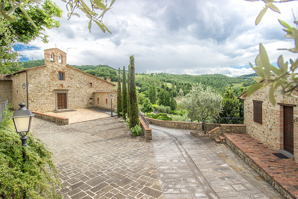 8-Casale-I-Girasoli-Farm-Umbertide-Perugia-Countryside-Umbria-For-sale-farmhouses-country-homes-in-Italy-Antonio-Russo-Real-Estate.jpg