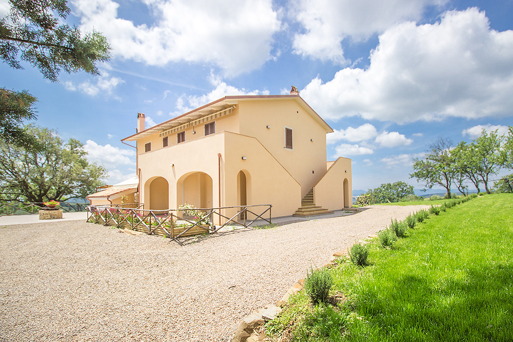 1-Farmhouse-Poggio-al-Sole-Organic-Working-Farm-Campagnatico-Tuscany-For-sale-holiday-farm-Antonio-Russo-Real-Estate-Italy.jpg
